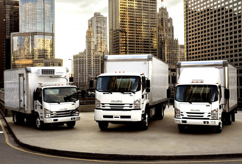 We offer spare parts for trucks and buses Isuzu
